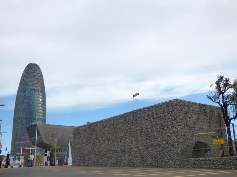 Gaviones, proyecto con gaviones,cerramiento exterior para parque, jaulas compactadas, Parc del Bosquet, Caseta Glorias